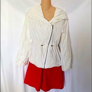 BCBG MAXAZRIA - sideways Zippered Rain Jacket Coat